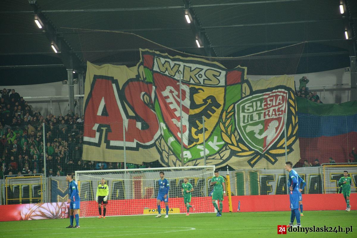 Atmosfera na Stadionie Wrocław powinna przypominać tę z październikowych derbów przyjaźni.